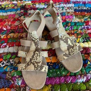 Munro Snake Skin Tan Sandals Size 11